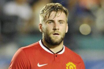 Shaw must take inspiration from Mkhitaryan to regain first team place