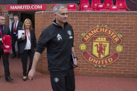 Mourinho sends message to Thierry Henry over Man United squad