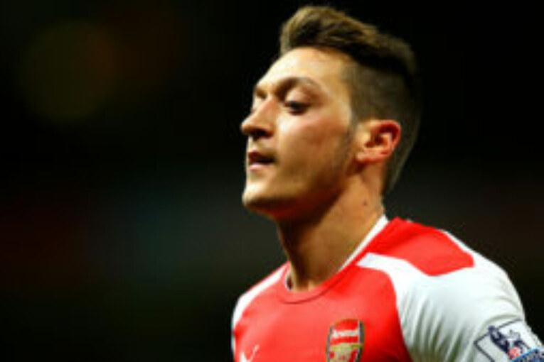 Mesut Ozil to Man United reports take a new twist