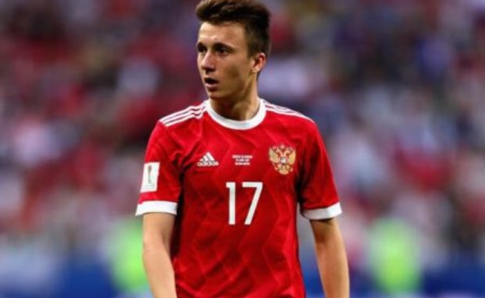 Aleksandr Golovin attending English classes amid Manchester United interest
