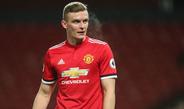 Midfielder agrees deal with Manchester United