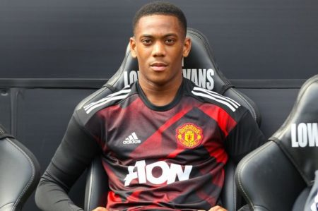 Jose Mourinho sends message to Anthony Martial's agent about leaving Man United