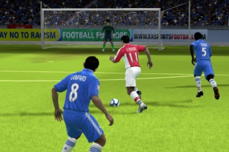 Why People Love to Play Online Football Games